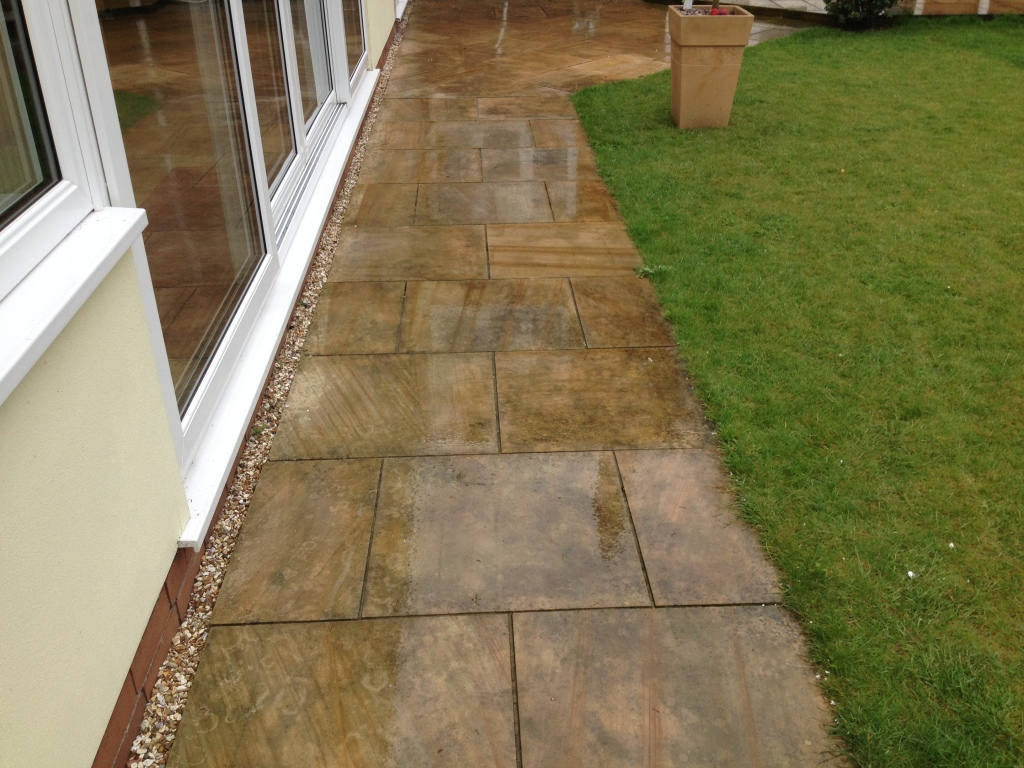 how to get oil off tarmac driveway