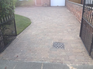 Block paving cleaning Southport merseyside.