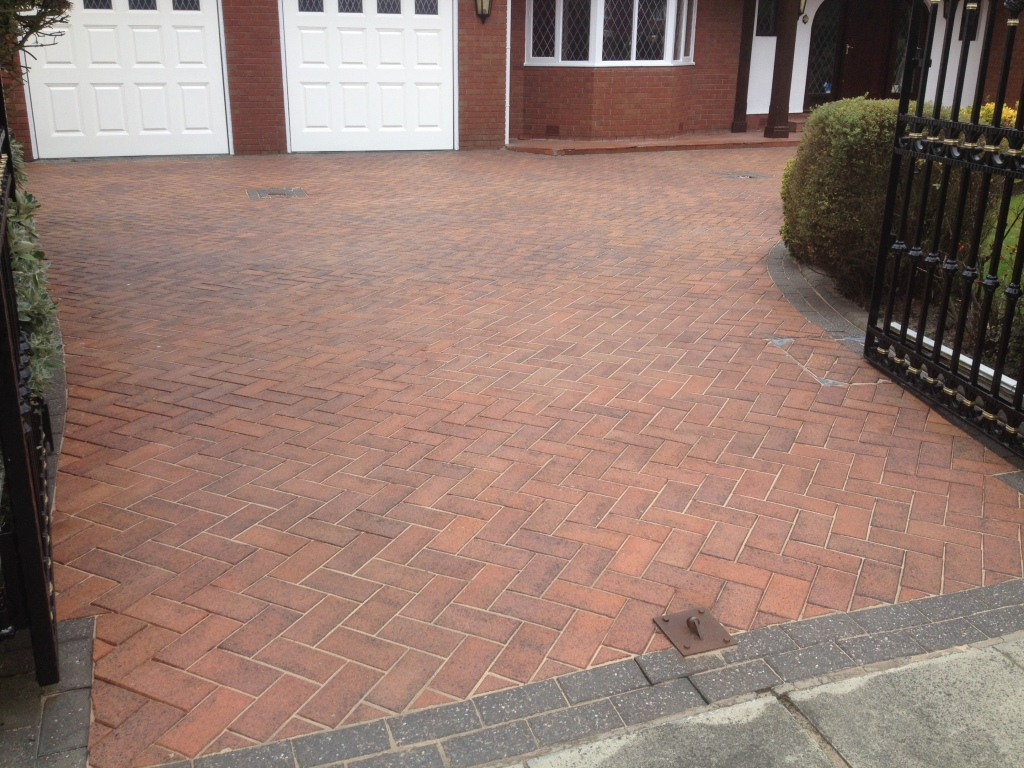 image of block paving after driveway cleaning southport merseyside