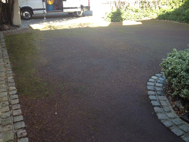 image of tarmac driveway cleaning in formby merseyside
