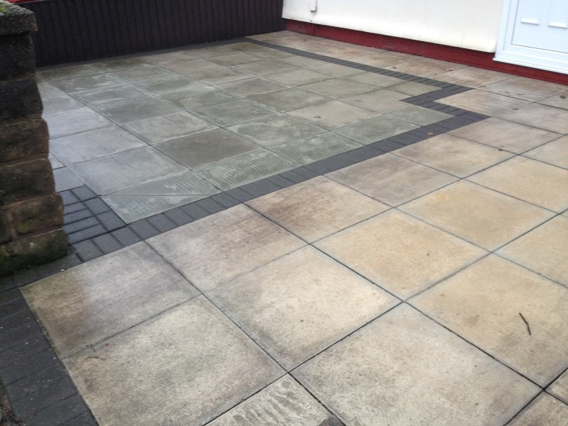 patio cleaning in crosby liverpool before cleaning image