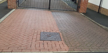 image of Driveway Cleaning and sealing www.driveway-cleaning.co
